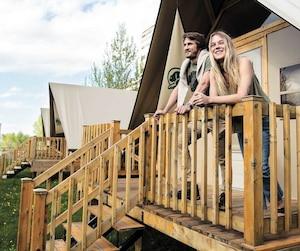 Au nouveau site de camping géré par Parcs Canada, on peut louer une des sept tentes oTENTik toutes équipées.