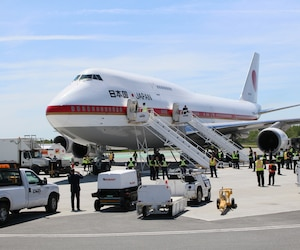 Un imposant avion Boeing 747 en provenance du Japon a effectué des tests d'atterrissage en vue du G7, mercredi matin, à l'aéroport international Jean-Lesage de Québec.