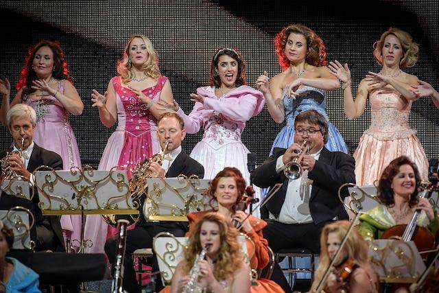Il y avait beaucoup de couleurs au sein du Johann Strauss Orchestra.