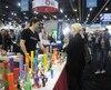 Un kiosque de pipes en silicone au Lift Cannabis Expo, le plus grand congrès de l'industrie du pot au pays. L'événement avait lieu du 12 au 14 janvier dernier à Vancouver.