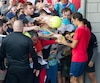 Le légendaire Roger Federer a comblé de nombreux admirateurs venus assister à son entraînement, dimanche au Stade Uniprix.