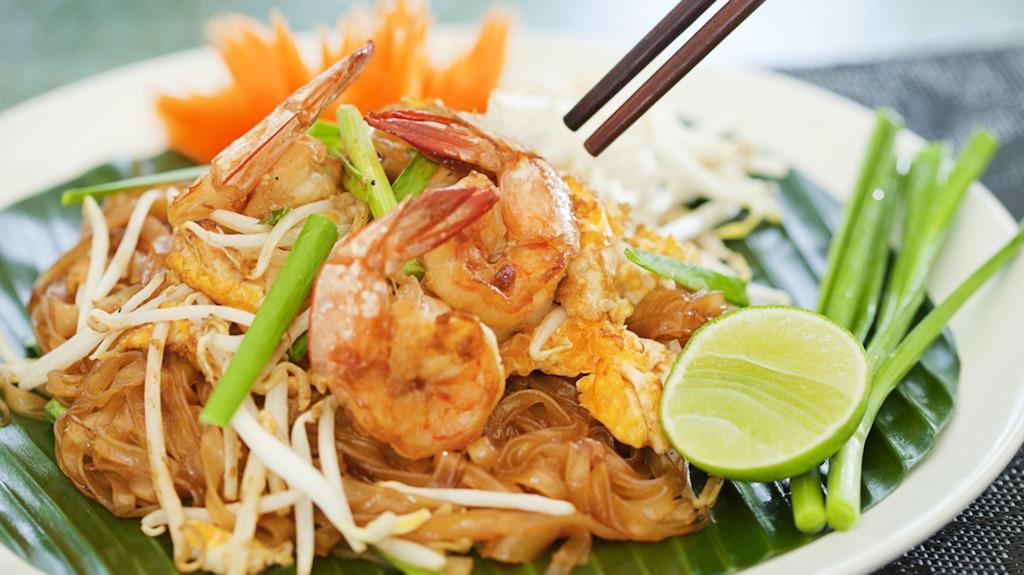 Pad thaï aux crevettes et pétoncles