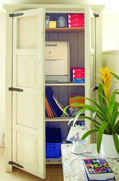 Une styliste son homme et son bureau jdm - Bureau dans une armoire ...