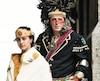 Steeve Gros-Louis (àdroite) et ses enfants Dewatha et Keyara, ici revêtus d'habits traditionnels lors d'un autre événement, ont apprécié leur expérience sur le plateau de tournage de la série <i>Barkskins</i>.
