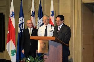 Le maire de Montréal, Michael Appelbaum, lors de l'annonce de la mise sur pied de l'Escouade de protection de l'intégrité municipale.