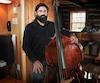 À 40 ans, le musicien de jazz Guillaume Bouchard est atteint de la maladie de Lyme, qui lui cause des troubles cardiaques.