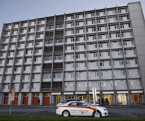 Les dirigeants de l'Université Laval ont été vivement critiqués au cours des derniers jours concernant la gestion de la crise entourant les agressions survenues sur son campus.