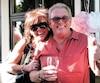 Nathalie Faucher n'est toujours pas en mesure de se remettre du décès de son père, Gilles, 72 ans, qui a bénéficié de l'aide médicale à mourir en février 2018.On la voit ici avec son paternel. « Moi, quand j'ai vu mon père partir, c'est comme si on lui avait imposé la mort, c'est comme si j'avais vu un suicide en direct. Je n'avais pas assez de préparation. » – Nathalie Faucher