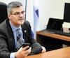Le nouveau ministre de la Transformation numérique, Éric Caire, croit qu'il peut lui-même régler le bordel informatique.