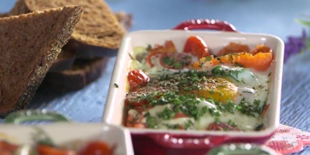 Cassolette brunch au saumon fumé et œuf