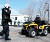 Des policiers en VTT ont une fois de plus ratissé les environs à la recherche du garçon.