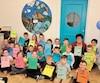 Les 25 élèves de la classe de 1ère année de Claire Dion, à l'École Cap Beau-Soleil de Caplan, ont tous écrit pour raconter un moment très important pour eux.