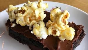 Des brownies au faux Nutella et popcorn au caramel