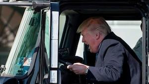 Image principale de l'article Le président Trump très excité par des camions
