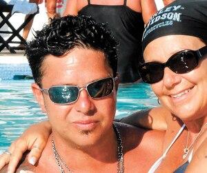 Une baignade avec Éric lors d'un voyage au chaud,en Jamaïque.