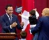 Le nouveau ministre Mathieu Lacombe et ses deux fils