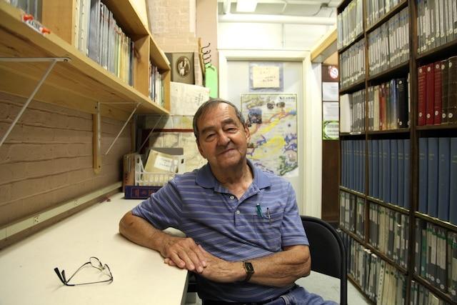 Raymond Gaudette, 76 ans, estun des derniers Franco-Américains qui parlent encore français à Biddeford. Raymondatravaillé dans les usines de filage de coton pendant 43 ans de sa vie etdirige aujourd'hui le Centre de généalogie franco-américaine de la ville.