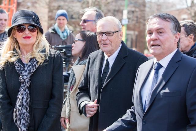 Funérailles à la mémoire de Monsieur Jean Lapierre et de Madame Nicole Beaulieu à l'église St-Viateur d'Outremont à Montréal, le samedi 16 avril 2016. Sur la photo: Claude Poirier Et Paul Houde. TOMA ICZKOVITS/AGENCE QMI