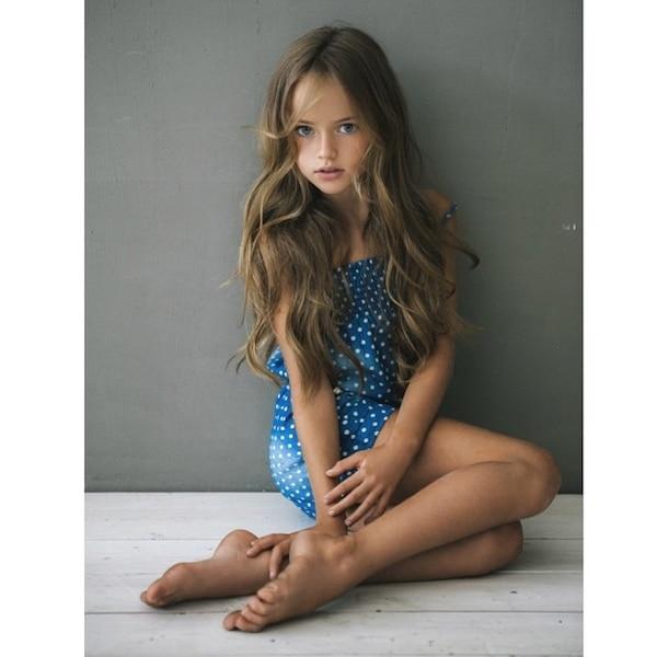 la plus belle fille du monde n 39 a que neuf ans jdm. Black Bedroom Furniture Sets. Home Design Ideas