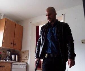 Philippe (Marc-André Grondin) continue de jouer un jeu dangereux.