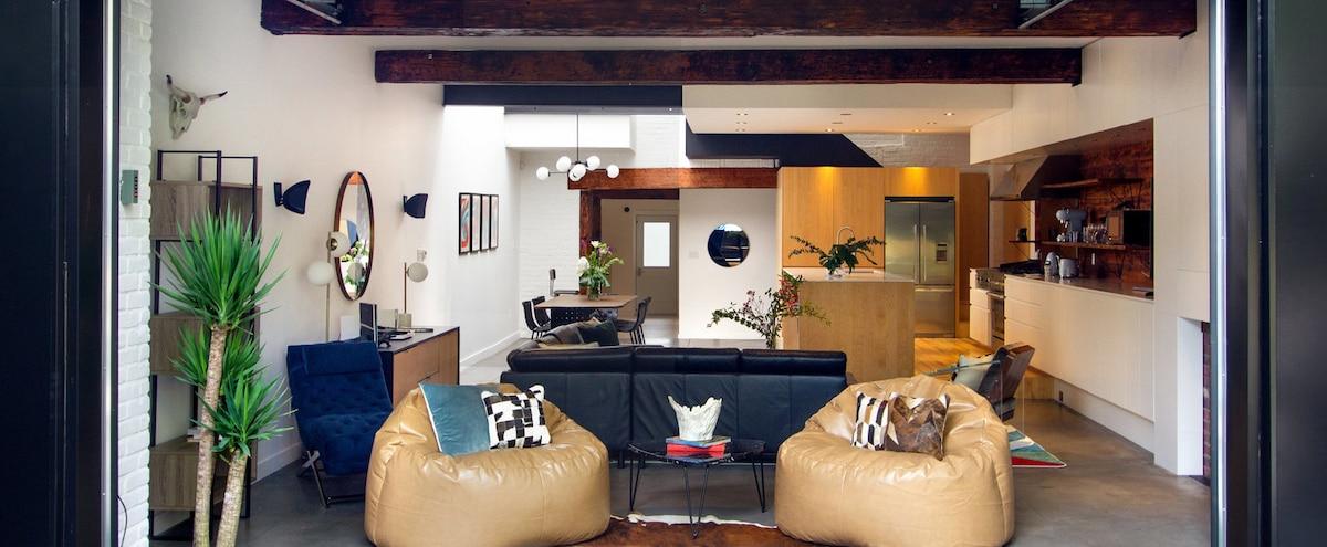 vous pouvez louer cette impressionnante maison de luxe sur le plateau jdm. Black Bedroom Furniture Sets. Home Design Ideas