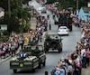 Le convoi transportant l'urne funéraire de Fidel Castro a repris jeudi son périple à travers Cuba après avoir marqué un arrêt symbolique mercredi soir devant le mausolée d'Ernesto «Che» Guevara à Santa Clara.