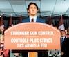 Le premier ministre a fait son annonce à Toronto, entouré d'un groupe de candidats aux prochaines élections fédérales.