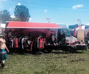 Le kiosque Support81 Montreal aux couleurs des Hells Angels était bien visible près de la scène Budweiser hier au Rockfest de Montebello, en Outaouais.