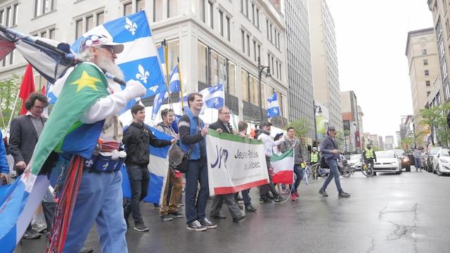 Les manifestants ont traversé le centre-ville de Montréal pour terminer la marche au parc Camille-Laurin.