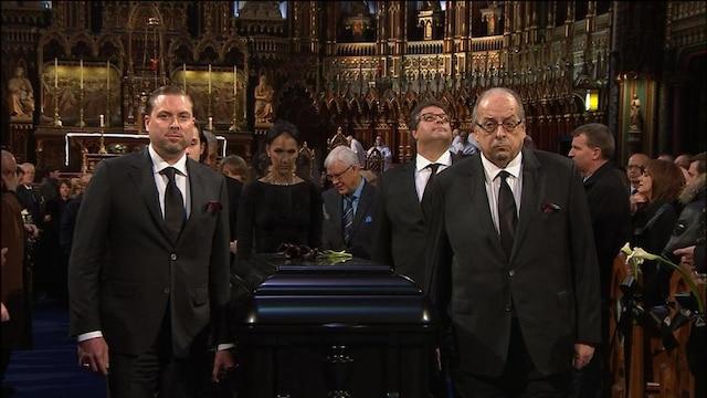 Ambiance à l'intérieur de la basilique lors des funérailles de René Angelil, célébrées ce vendredi après-midi 22 janvier 2016, à la Basilique Notre-Dame, à Montréal.