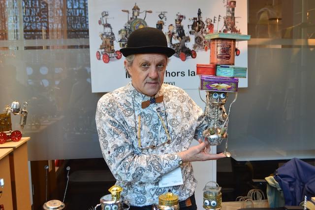 Branimir Misic, ingénieur en mécanique de formation, crée des robots très populaires à partir d'objets récupérés.