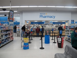 La pharmacie Walmart de Plattsburgh offre aussi des médicaments sous ordonnance à 4 $ par mois.