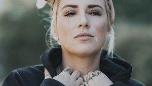 Image principale de l'article Valérie Roberts: Une minicollection de vêtements