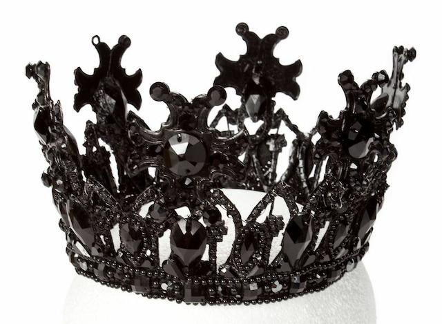 La couronne de Beyoncé, «Queen B» elle-même, qu'elle portait dans le vidéoclip Haunted.
