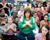 Chantale Locas enseigne à 52 élèves de 4e année dans une classe double, en compagnie de sa collègue et meilleure amie Hélène Dagenais.