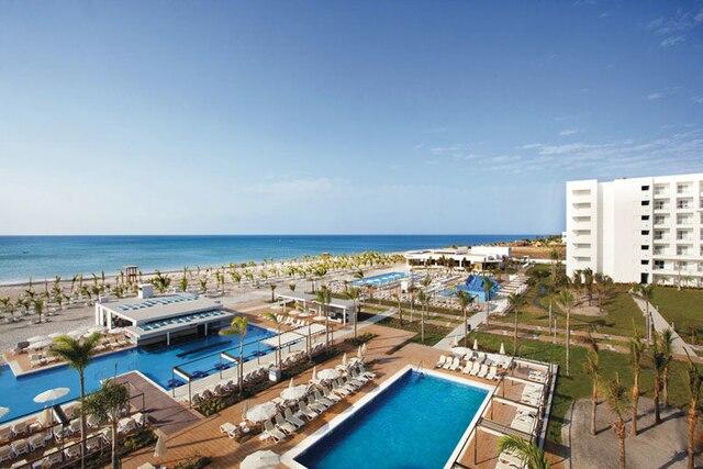 L'hôtel Riu Playa et la magnifique plage.