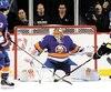 Le gardien Jaroslav Halak, des Islanders de New York, ne sait pas ce que lui réserve l'avenir, mais il a l'intention d'aider cette équipe à se tailler une place dans les séries éliminatoires