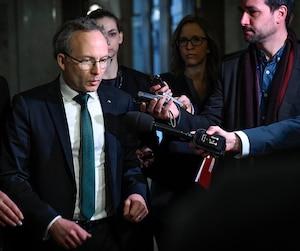 «La question n'est pas de savoir si on doit avoir une connaissance sur les armes d'épaule qui sont en possession des citoyens, c'est de savoir comment le faire avec le minimum d'irritants possibles», a déclaré hier le ministre Martin Coiteux.