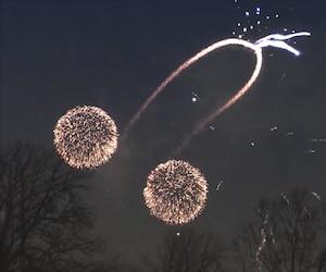Une vidéo du spectaculaire «accident pyrotechnique» a été partagée par plusieurs utilisateurs de Facebook.