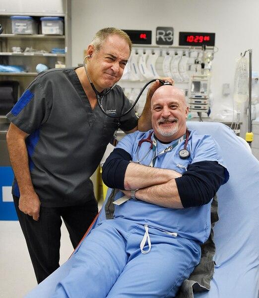 Le Dr François Paquet et l'infirmier Yves Lessard verront leur BD, STAT, s'animer.