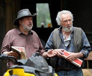 Rémy Girard et Gilbert Sicotte ont paru agacé par la levée de boucliers contre les œuvres de Robert Lepage, lors d'un entretien avec les médias qui visitaient le plateau de tournage du film Il pleuvait des oiseaux, lundi après-midi, dans la réserve faunique des Laurentides.