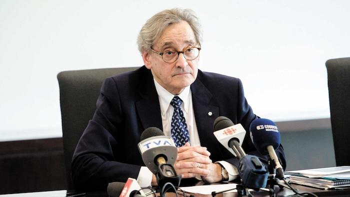 Michael Sabia lors de la conférence de presse, en mai, sur Otéra, où quatre dirigeants ont été limogés pour s'être placés en situation de conflits d'intérêts.