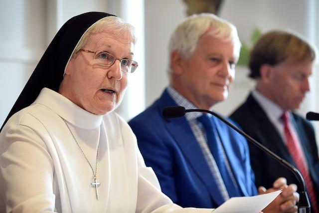 La Fiducie du patrimoine culturel des Augustines a passé le flambeau lundi à l'organisme qui sera dorénavant chargé de gérer le Monastère, dont la restauration est achevée.