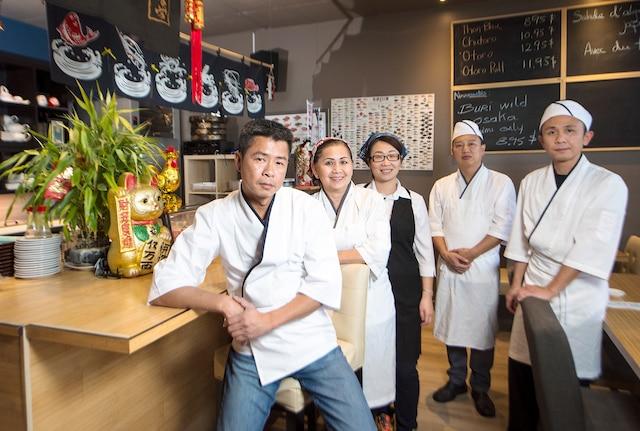 Le chef Luu Danh accompagné de Lan, Marie, Jie et Duy.
