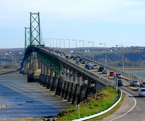 Le vieux pont de l'île d'Orléans sera remplacé par un pont à haubans d'ici 2024. L'étude des solutions est «terminée», a confirmé le ministère des Transports qui planche actuellement sur la conception du projet, annoncé en décembre 2015 par l'ex-ministre Robert Poëti.