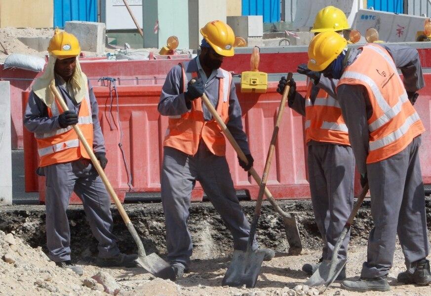 Qatar: des centaines d'ouvriers étrangers sans salaires depuis des mois