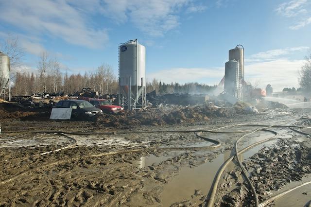 400 moutons périssent dans un incendie à Saint-Victor de Beauce.