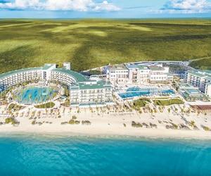 Le Haven Riviera Cancún est stratégiquement positionné horizontalement le long de la plage, afin d'offrir plus de chambres avec vue sur l'océan.