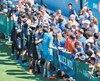 Au lendemain de la défaite à Toronto, les joueurs de l'Impact ont participé à un entraînement public, dimanche, où plusieurs partisans en ont profité pour obtenir des autographes.