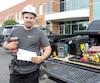 Comme 153700travailleurs actifs de la construction, David Champagne savoure son chèque et a hâte au début des vacances.